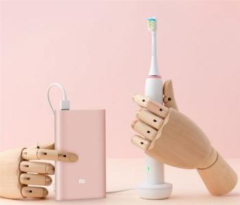 电动牙刷指示灯一直亮打不开